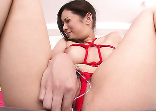 Milf Yui Kasuga makes a dream of never-ending dick sucking a positiveness