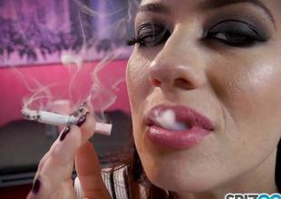 Smoking charm Jessica Ryan loves to puff on her grow dim