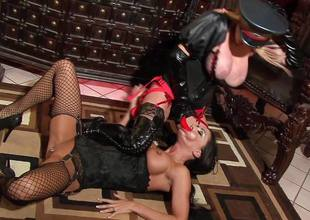 Slut Jessica Jaymes with the addition of Taylor Wane the dominatrix