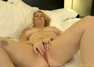 Cute and obsessed older babe unexcelled in a hotel room