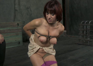 Nutty bondage master puts rope bondage to a whole new weigh