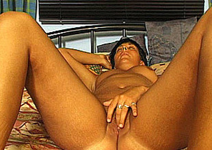 German amateur mom masturbates and sucks approximately cum