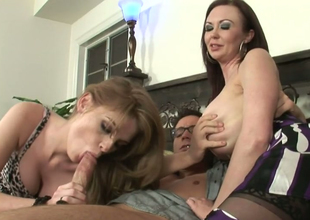 Faye Reagan and Felony Foreplay please one eager ladies'