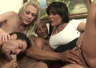 Hot mommies Samantha Go wrong and Claire Dames in oral play fro Facetious ambisextrous dudes