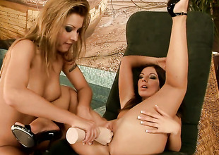 Debbie White makes her fingers evaporate in Cindy Hopes wet fissure