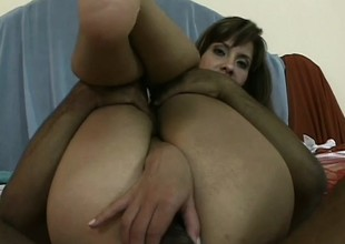 A naughty latina unladylike wasn't expecting this imprecise anal pounding