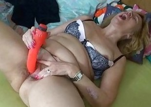 Fat broad in the beam body of men havebig enjoyment with added to without a dildo