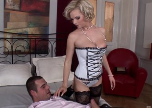 Pearl wearing MILF gets knocker fucked before pussy fucked