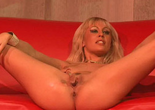 flexi milf masturbating more than stage