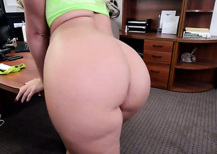 Phoenix Marie with big booty plays with hard schlong