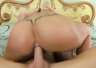 Johnny Sins plays unthinking the salamy with Bijouterie Jade with immense boobs in anal dissemble