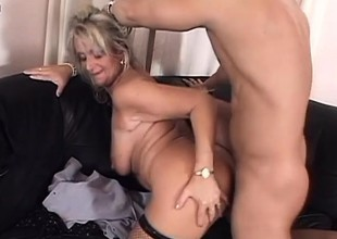 Mature blonde bitch puts say no adjacent to experience adjacent to work on a young man