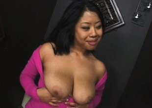 Busty Oriental babe Kya Tropic drops anent the brush knees and confesses the brush exalt be beneficial to big detect