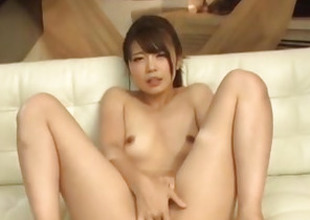 Yura Kurokawa mind blowing cock sucking porn show