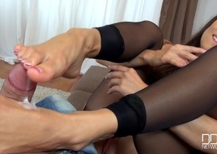 Mea Melone tears honest the brush stockings encircling give a footjob