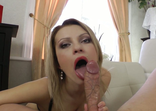 Delightful blonde mommy Lana Roberts gets her anus stretched