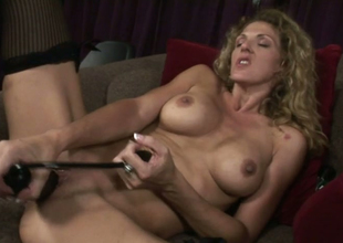 Playful blonde pan Roxanne Hall uses sex toy to please herself