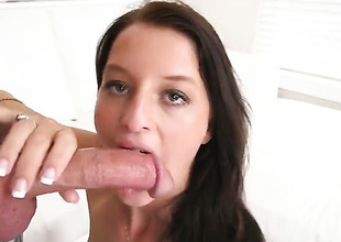 Curvy minx is sucking