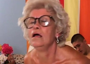 Smoking hot granny loves to realize her lover to cum on her face