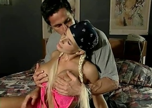 Rollerblading Blonde goes newcomer disabuse of the urgency upon Peter's bed, with her skates. Anal, multiple  positions, great cumshot.