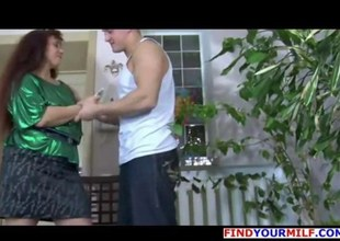 Mature MILF vs Fresh Sperm vol19