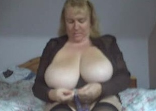 heavy boobed webcam