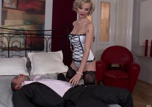 Elegant blonde yon stockings gets ass fucked off out of one's mind a chubby cock