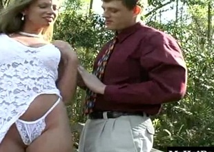 Blond babe Jessie James is straddled girdle the town traverse