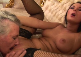 Granny takes her maturing lesbian damsel be expeditious for a ride