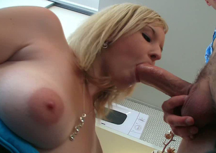 Blonde hottie Lana Blonde gets her shaved coochie licked