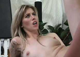 Abstain blonde with pithy tits gets the brush tight ass banged ballpark in the gym