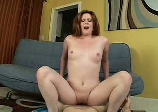 Curvy Daisy Belle Loves To Swallow Cum
