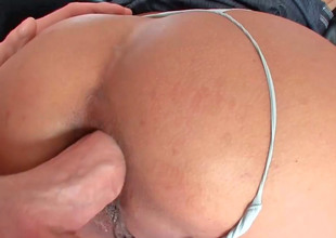Busty milf Maxi gets their way tight pest chasm drilled hard