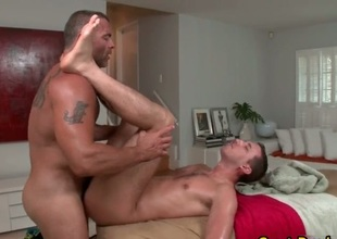 Massage zigzags into gay having it away