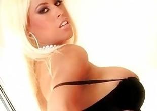 Obese tit blonde Bridgette B akin not present her world class blowjob skills!