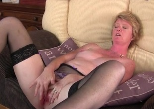 Freckled milf vibrates her clit and moans stalwartly