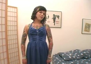 Tattooed blonde back pantyhose goes dirty toying her pussy wildly back a solo instalment