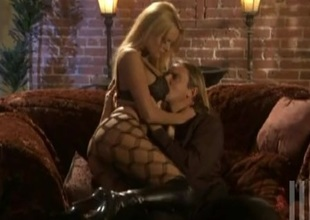 Stormy Daniels in pantyhose enjoys riding a weasel words in a unusual close up scene