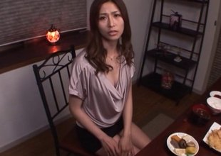 Akari Asahina on the brush knees sucking his dick until he pops