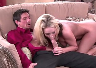 Kiara Diane is a bored housewife. This blonde pornstars invites her neighbor unrestraint ergo he could take a enter into the picture at her tv which seems to be broken. She is naked when she greets him.