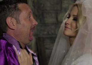 Blond-haired bride Jessica Drake looks great in white. This charming milfy ecumenical is load of shit hungry. She gives beastlike blowjob to doyenne guy. Nothing can stop Jessica Drake from load of shit sucking!