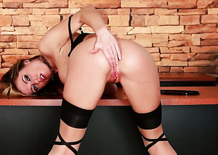 Randy Moore forth big boobs and shaved beaver goes solo be expeditious for camera