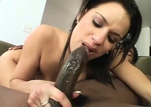 Curvy Mia Banggs gags on a big dick before hose down smashes her penurious ass